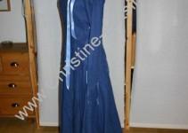 blaues Ritterfestspielkleid von vorn