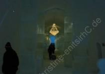 Die Hotellobby mit EIS-Kristall-Leuchter