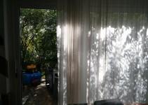 Schatten auf dem Vorhang
