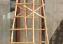 Analog dazu eine Bambus-Leiter
