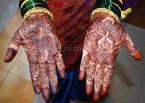 die Hände der Braut