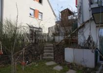 Birne, Träuble, Heckenrose, Aufgang nach oben