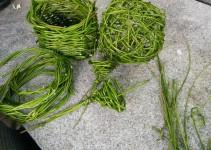 geflochtenes aus frischen Weidenruten