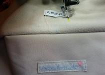 Label auf Kragen nähen