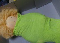 grüne Puppe gepuckt
